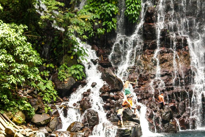 Cascades de cascade images libres de droits