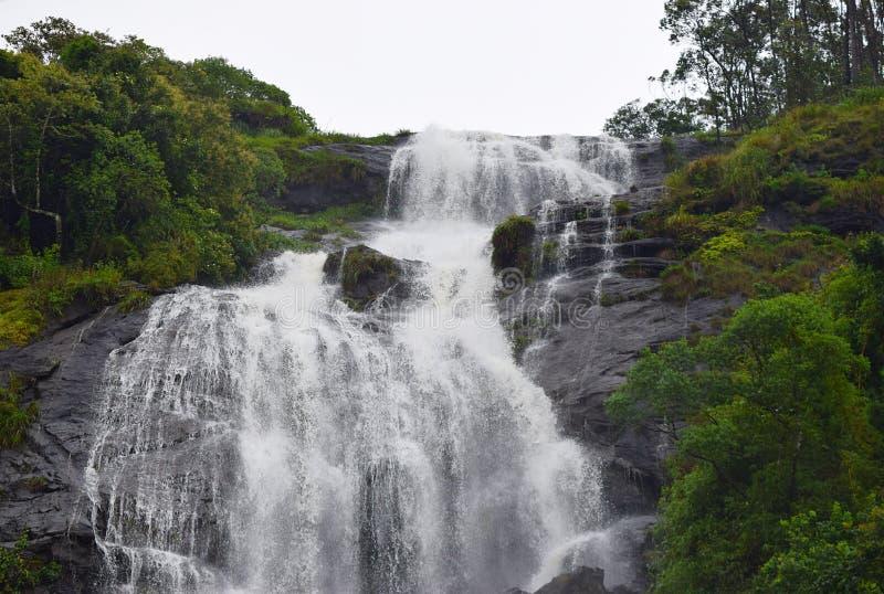 Cascades de centrale électrique chez Periyakanal, près de Munnar, le Kerala, Inde images stock