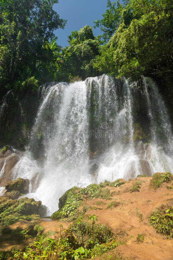 Cascades de Contryside en EL Nicho, Cuba photo stock