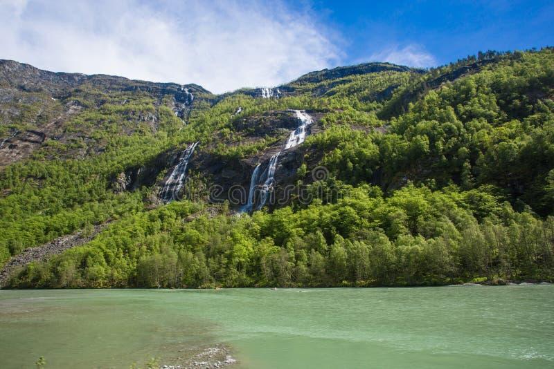 Cascades de Naeroyfjord photographie stock