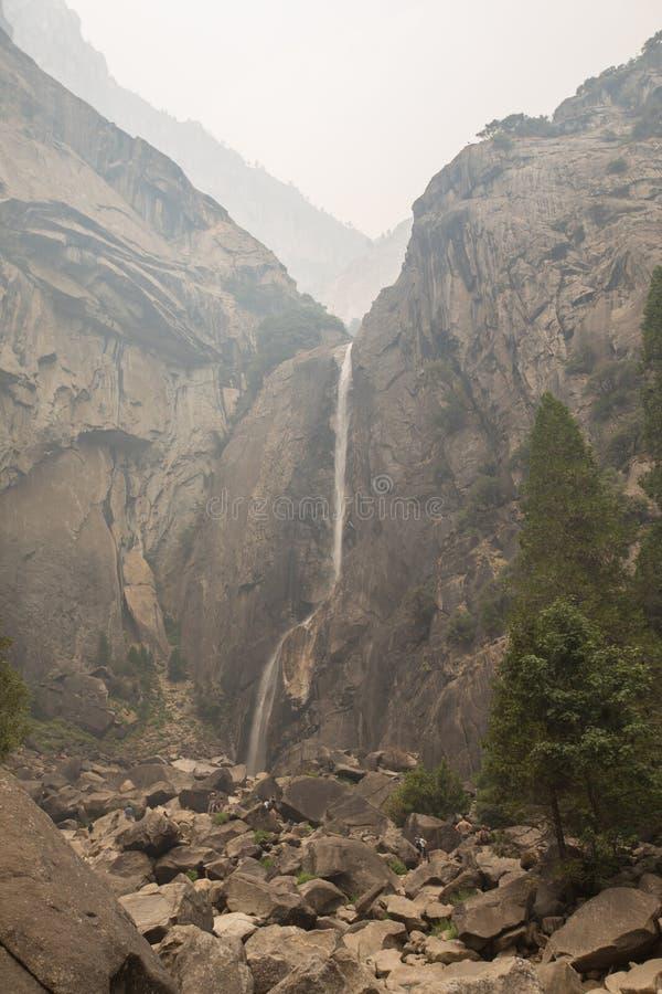 Cascades de parc national de Yosemite image libre de droits