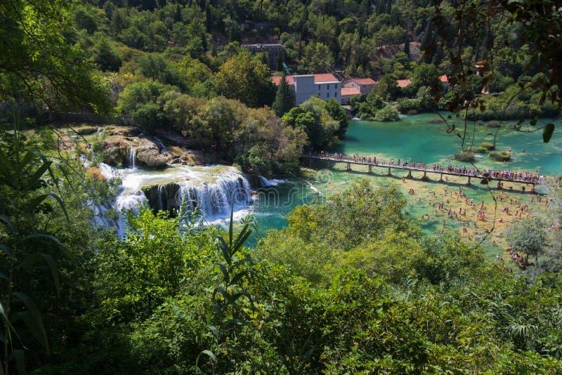 Cascades en parc national de Krka en Croatie images stock