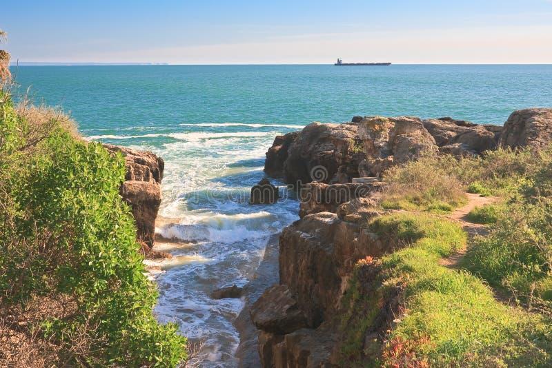 Cascais. L'Océan Atlantique. Portugal photographie stock libre de droits