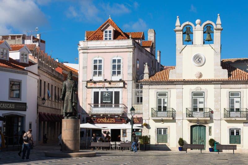 CASCAIS PORTUGALIA, STYCZEŃ, - 19, 2018: Nadmorski pejzaż miejski Casca fotografia stock