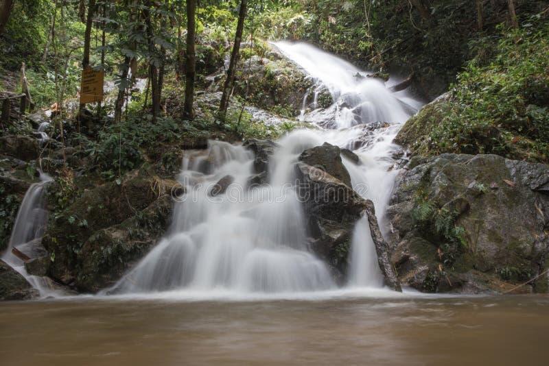 Cascata in Chiang Mai, Tailandia fotografia stock libera da diritti