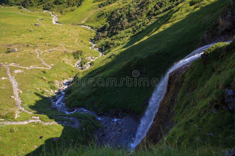 Cascata de Schleierfall em Tux Tyrol foto de stock royalty free