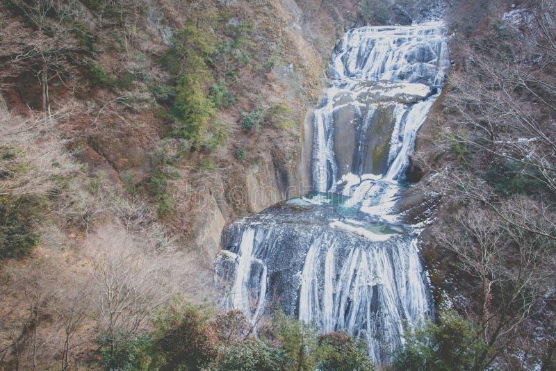 Cascata del ghiaccio nelle cadute di Fukuroda di stagione invernale immagini stock libere da diritti