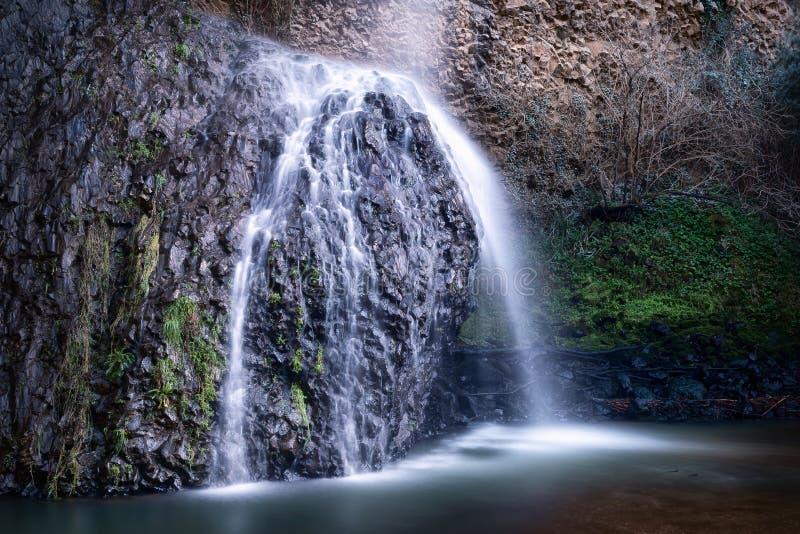 Cascata del Moro, Italien Vattenfall lång exponering royaltyfri bild