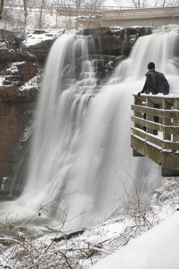 Cascata dell'Ohio nell'inverno fotografia stock