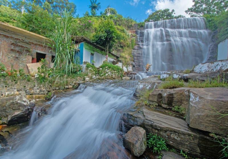 Cascata di Dunsinane nello Sri Lanka fotografie stock