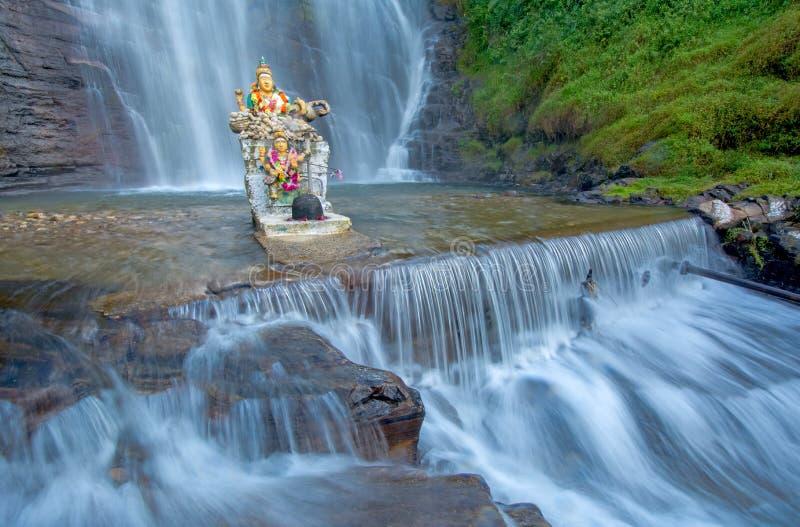 Cascata di Dunsinane nello Sri Lanka immagine stock