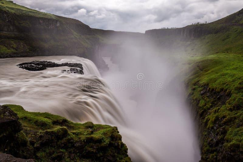 Cascata di Gullfoss la caduta dorata in Islanda fotografie stock libere da diritti