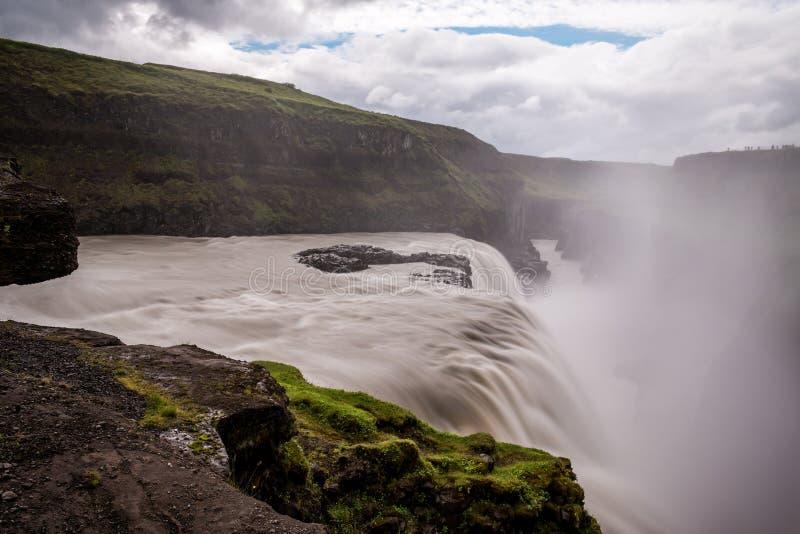 Cascata di Gullfoss la caduta dorata in Islanda fotografia stock libera da diritti