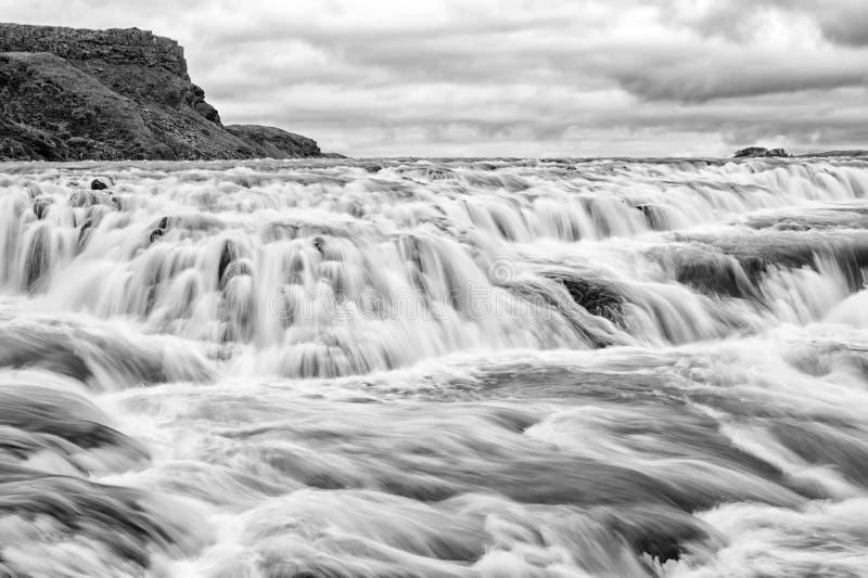Cascata di Gullfoss situata nel sud-ovest Islanda del fiume del canyon Cascata della rapida del fiume Flusso di corrente dell'acq fotografia stock
