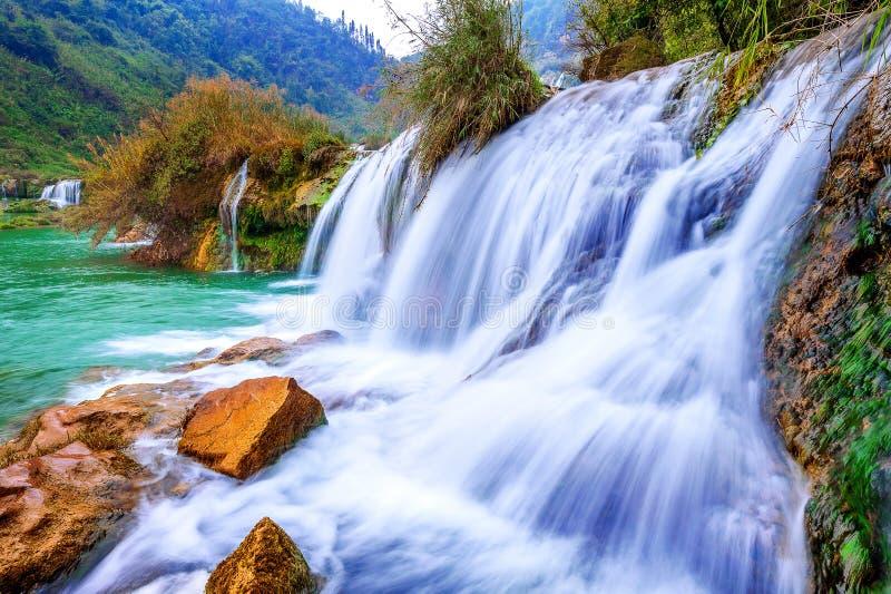 Cascata di Jiulong in Luoping fotografia stock libera da diritti