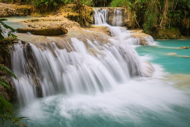 Cascata di Kuang Si, prabang di Luang, Laos fotografie stock