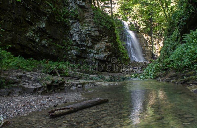 Cascata di Maniava in Ucraina fotografia stock libera da diritti