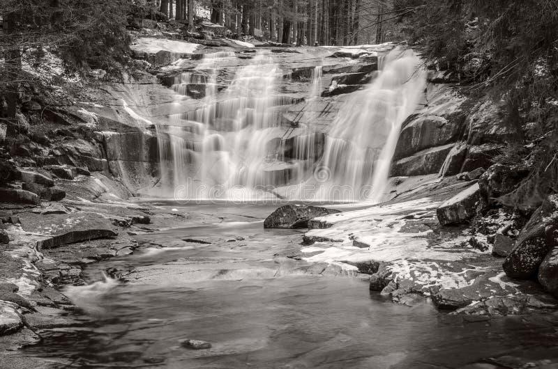 Cascata di Mumlava, montagne giganti, repubblica Ceca fotografia stock
