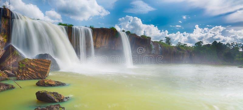 Cascata di Nur del Dray immagini stock