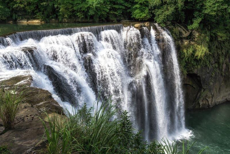 Cascata di Shifen in Taiwan fotografia stock