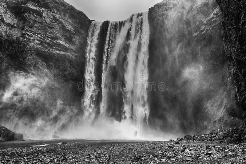 Cascata di Skogafoss in Islanda immagini stock libere da diritti