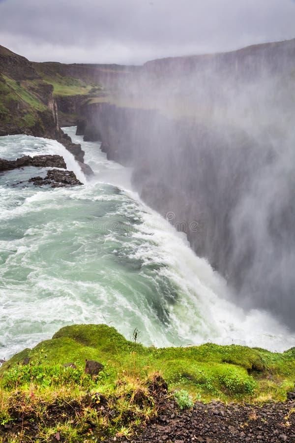 Cascata di stordimento Gullfoss, Islanda immagini stock