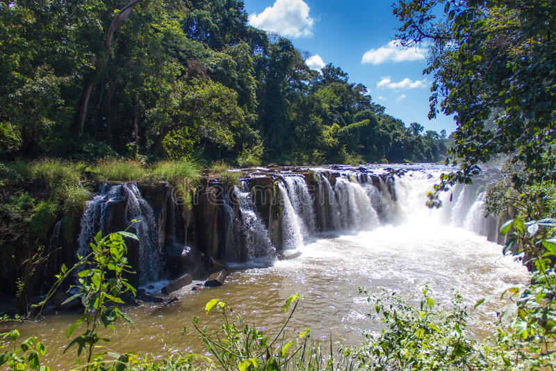 Cascata di Tad Pha Souam in Pakse fotografie stock