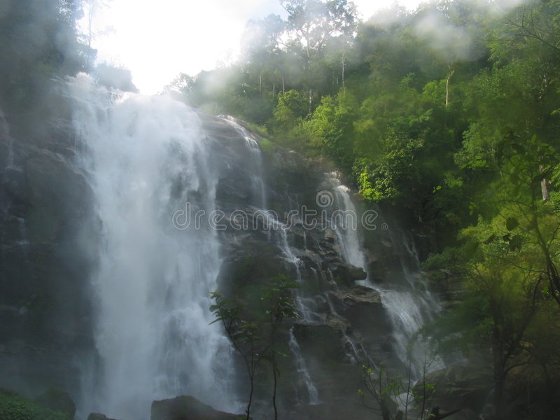 Download Cascata Di Vachiratharn In Chiang Mai, Tailandia Fotografia Stock - Immagine di nave, corsa: 125826