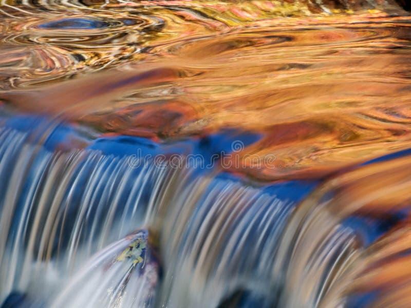 Cascata dorata fotografia stock libera da diritti