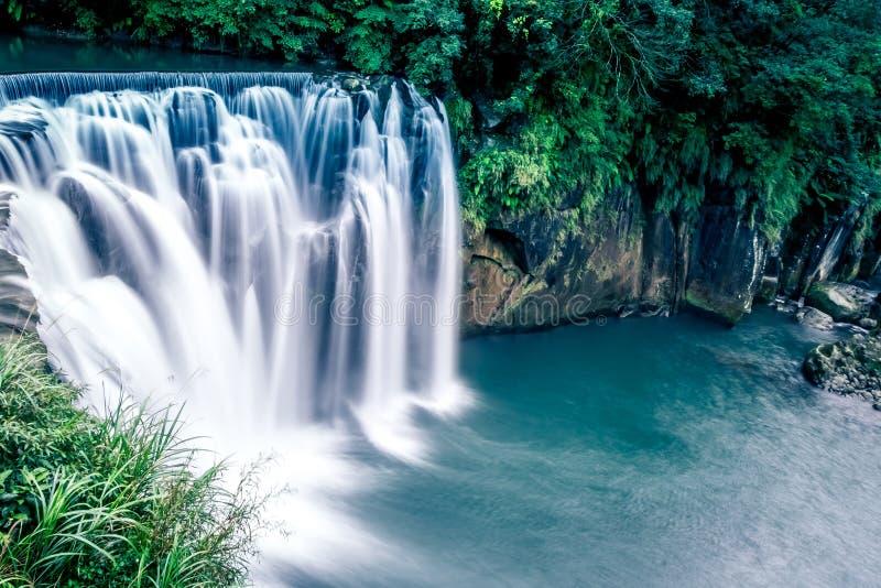 Cascata famosa della cascata di Shifen di Taiwan, distretto di Pingxi, nuova Taipei, Taiwan fotografie stock libere da diritti