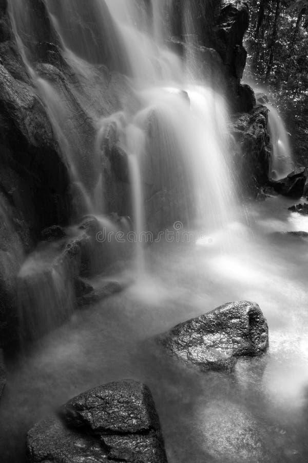 Cascata nera & bianca fotografie stock