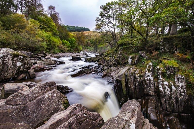 Cascata scenica di Braklynn in Scozia immagine stock