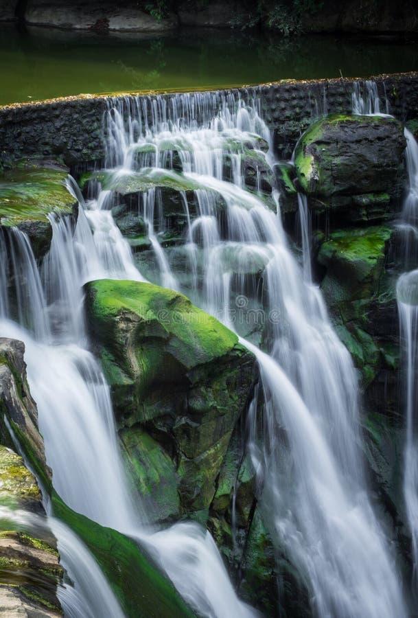 Cascata | ShiFen immagini stock