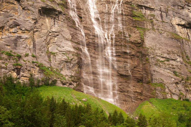 Cascata vicino a Lauterbrunnen immagine stock libera da diritti