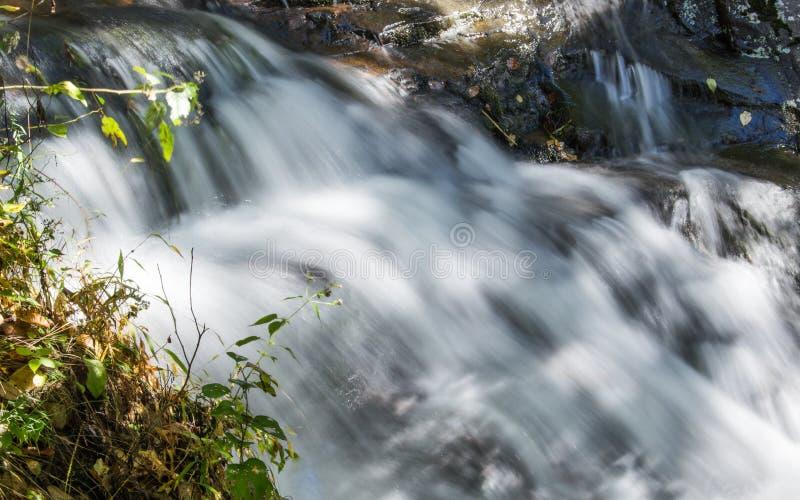 Cascatas do gwater de Fallin fotografia de stock