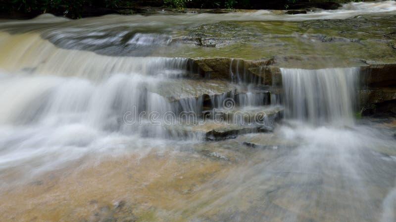 Cascate dell'insenatura della cabina nel parco di stato di Twin Falls, WV fotografie stock libere da diritti
