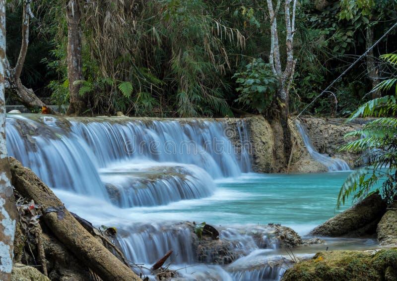 Cascate di Tat Kuang Si vicino a Luang Prabang, Laos immagine stock