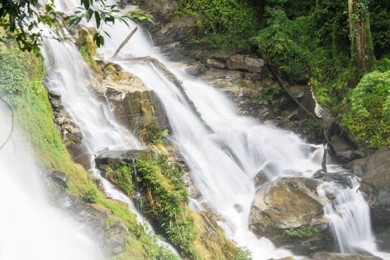 Cascate di Wachirathan, InThanon Chiangmai  fotografia stock libera da diritti