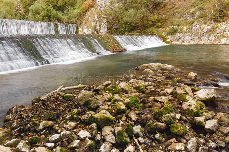 Cascate sul fiume di Gradac fotografie stock