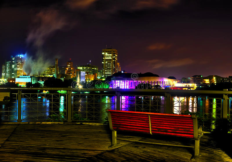 Casco por noche fotografía de archivo libre de regalías