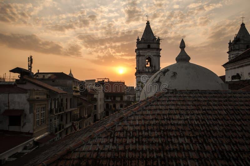 Casco Veijo, ciudad de Panamá, en la puesta del sol imágenes de archivo libres de regalías