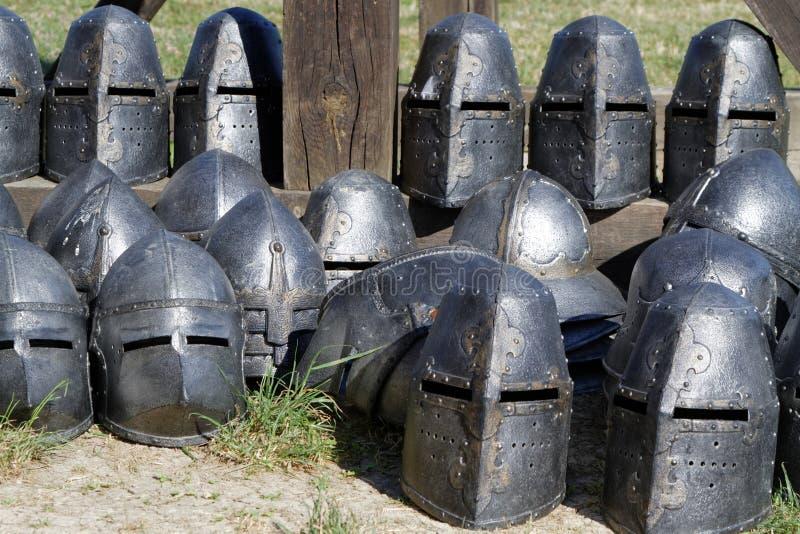 Cascos de las Edades Medias imagenes de archivo