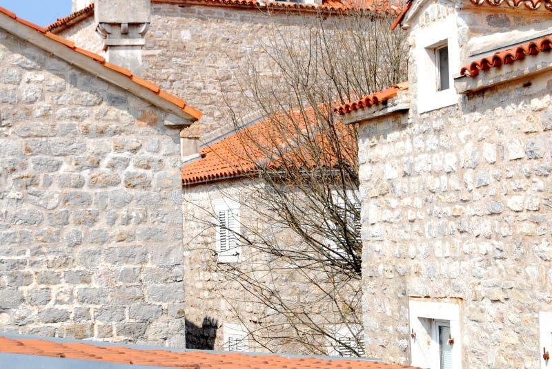 Download Case immagine stock. Immagine di parete, villa, arancione - 56884307