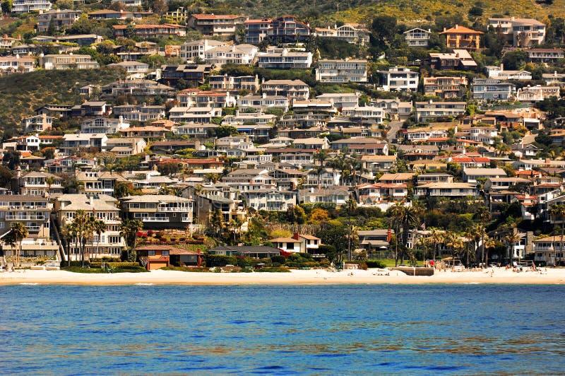 Case ammucchiate della spiaggia fotografie stock
