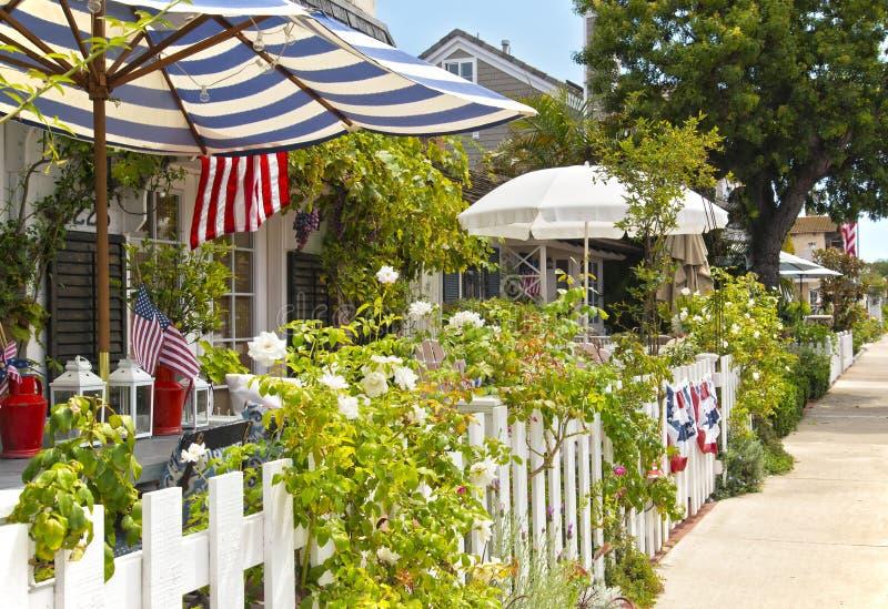 Case Charming, spiaggia dell'isola della balboa, Newport fotografie stock libere da diritti