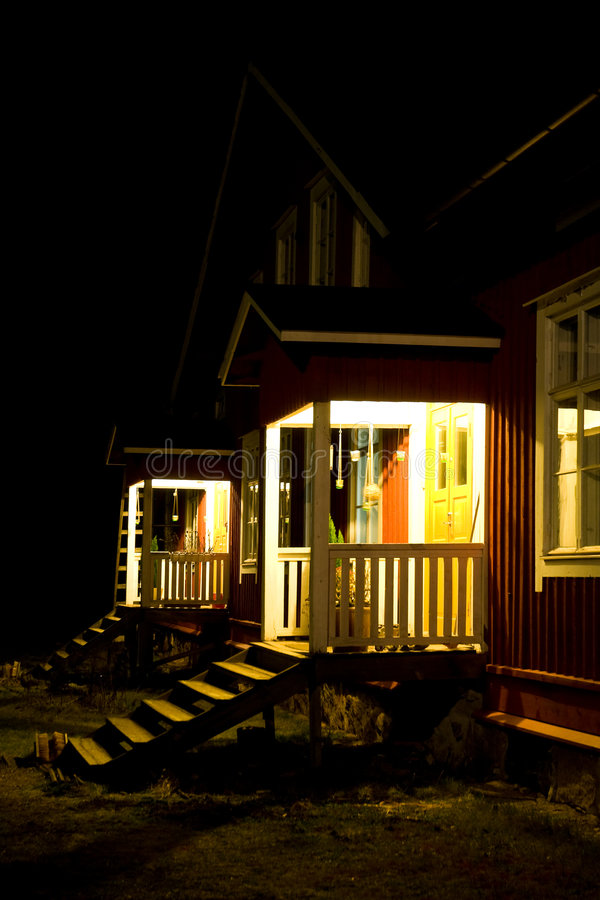 Case in comune alla notte immagini stock libere da diritti