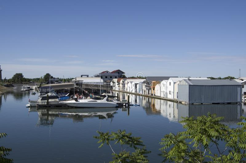 Case del fiume dell'isola del trifoglio, il fiume Columbia fotografia stock