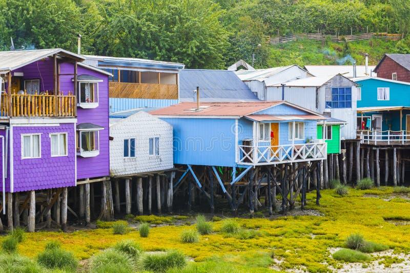 Case del trampolo in Castro, isola di Chiloe (Cile) fotografie stock