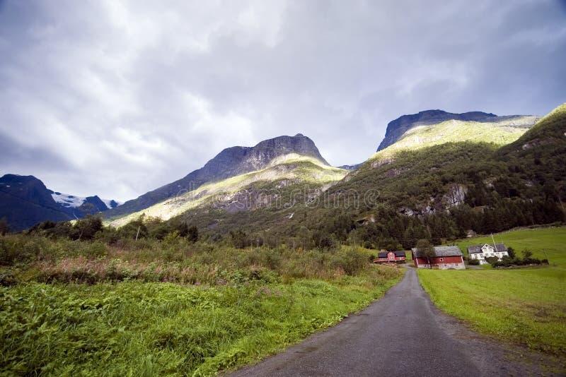 Case della montagna, Norvegia. fotografia stock