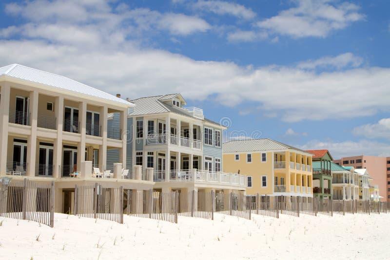 Case della spiaggia di vacanza fotografia stock